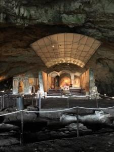 chiesa-grotta
